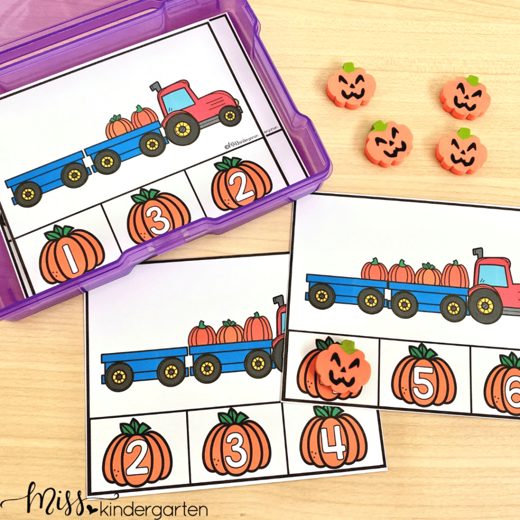 These counting task cards will help students with counting, one to one correspondence and number idenetification
